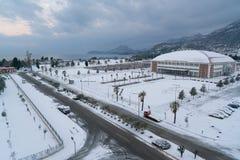 酒吧,黑山- 2017年1月12日:在亚得里亚海的海岸的异常的天气 免版税库存照片