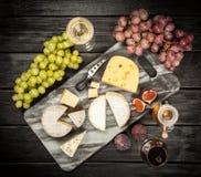 酒和干酪 库存照片