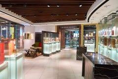 酒和精神新加坡樟宜机场的套楼公寓商店 库存图片