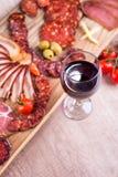 酒和美好的食物 库存照片