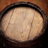酒木头桶 免版税库存图片