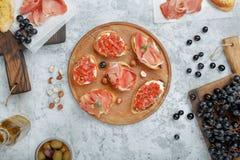 酒的另外意大利开胃菜 免版税库存图片