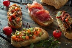 酒的另外意大利开胃菜 免版税库存照片