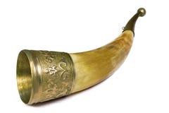 酒的杯,做由动物垫铁,在白色背景。 免版税库存图片
