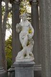 酒神雕象在专栏的 免版税库存照片
