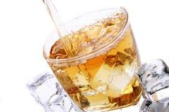 酒精冷玻璃杯 免版税库存图片