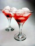 酒精打孔机鸡尾酒饮料用樱桃 库存图片