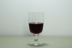 酒精棒玻璃红葡萄酒 免版税图库摄影