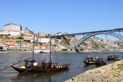 酒运输小船在葡萄牙 免版税库存照片