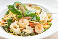 酒醉面条海鲜意粉 泰国的食物口味 图库摄影