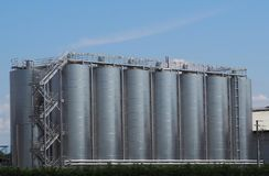 酒金属发酵罐大存贮系统  图库摄影