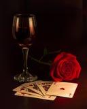 酒,卡片,和上升了 免版税库存照片