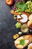 酒,葡萄,乳酪 库存图片