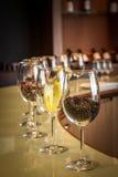 酒degustation设置,酿酒厂在卡萨布兰卡,智利 免版税库存图片