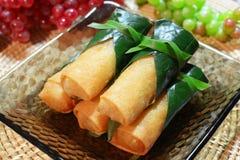 酥脆中国传统春卷食物 库存照片