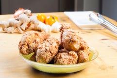 酥脆炸鸡混合用草本和香料 库存图片