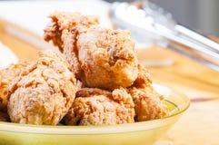 酥脆炸鸡混合用草本和香料 免版税库存照片