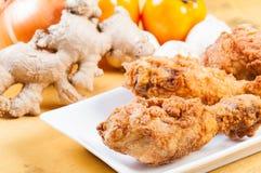 酥脆炸鸡混合用草本和香料 免版税图库摄影