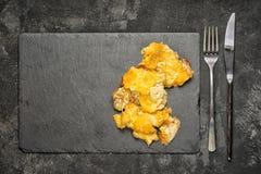 酥脆被烘烤的肉 图库摄影