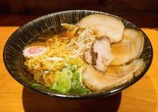 酱油拉面,日本食物 免版税库存图片