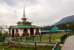 酵母酒蛋糕Reshi寺庙,古尔马尔格,查谟和克什米尔 免版税库存图片
