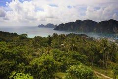 酸值发埃发埃海岛美好的风景视图在泰国Krabi 库存图片