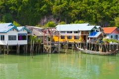 酸值在高跷建造的Panyee结算在泰国 免版税图库摄影