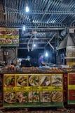 酸值张,泰国- 2017年7月06日;夜marke的贸易商 免版税库存图片