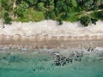 酸值朗塔竹海滩鸟瞰图 免版税图库摄影
