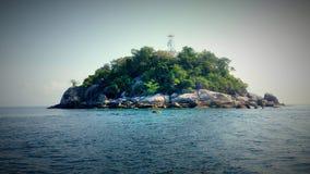 酸值李Pe, Sa大桶的小海岛 库存照片