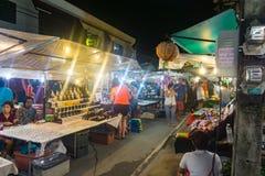酸值苏梅岛星期日晚上市场 免版税库存图片
