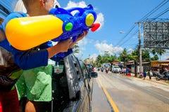 酸值苏梅岛,泰国- 2018年4月13日:Songkran党-泼水节节日 一起庆祝的人们 库存照片