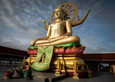 酸值苏梅岛,泰国- DEC 24 :Wat的在酸值的Phra亚伊大菩萨 免版税图库摄影