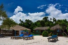 酸值荣Samloem的美丽的热带海滩 免版税库存照片