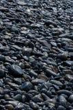 酸值hin ngam的,Tarutao国立公园,Satun,泰国湿黑小卵石石头海岛 库存照片