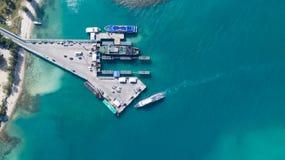 酸值Phangan国际性组织口岸鸟瞰图  免版税库存照片