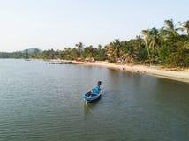 酸值Phangan海滩鸟瞰图  图库摄影