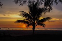 酸值Tarutao海岛,泰国,日落海滩 免版税图库摄影