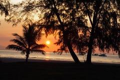 酸值Tarutao海岛,泰国,日落海滩 免版税库存照片