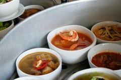 酸咖喱热的虾 免版税库存照片