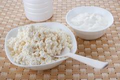 酸奶干酪和酸性稀奶油 免版税库存照片