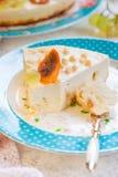 酸奶干酪砂锅用果子 免版税库存图片