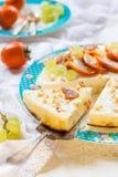 酸奶干酪砂锅用果子 免版税库存照片