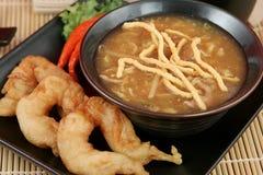 酸热大虾的汤 库存照片
