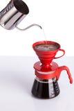 酿造咖啡倾吐在 免版税库存照片