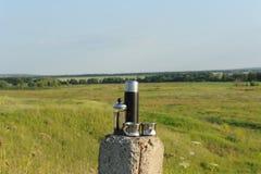 酿造在法国人的供选择的咖啡压入自然 国家夏天风景 库存图片