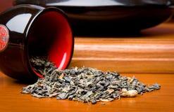 酿造日本式茶壶 免版税库存图片