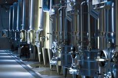 酿酒厂工厂的设备 库存图片