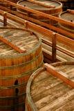 酿酒厂老化大桶 库存图片