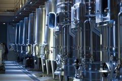 酿酒商工厂的设备 免版税库存照片
